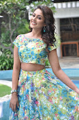 madhu shalini latest pics-thumbnail-6
