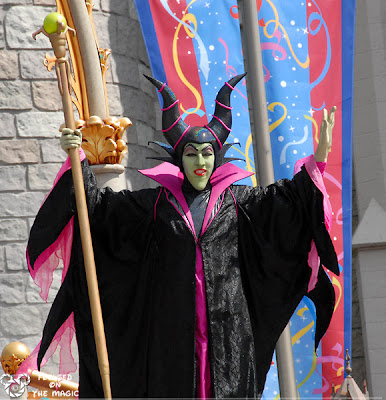 Maleficent castle court stage show Focused on the Magic