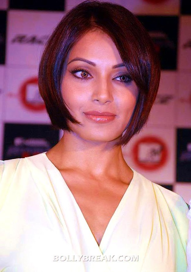 Bipasha Basu Bob Cut - (3) -  Bipasha Basu Unseen Photo Gallery