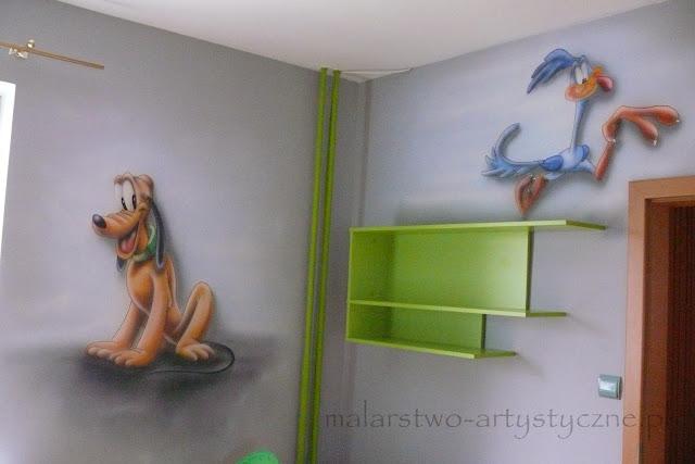 Jak urządzić pokój chłopca, artystyczne malowanie motywu bajkowego na ścianie, warszawa