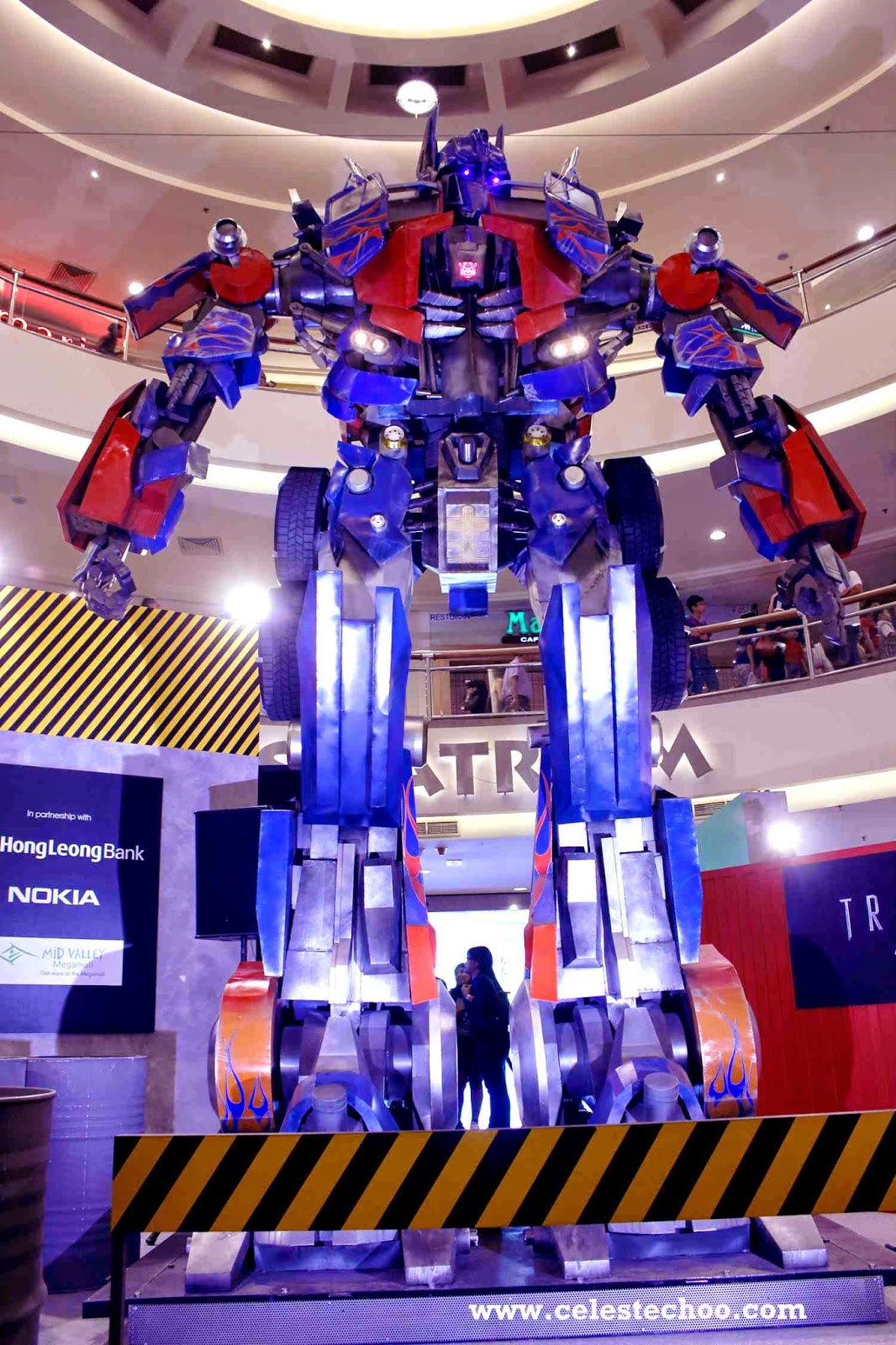 transformers_4_age_of_extinction_autobots_display_optimus_prime