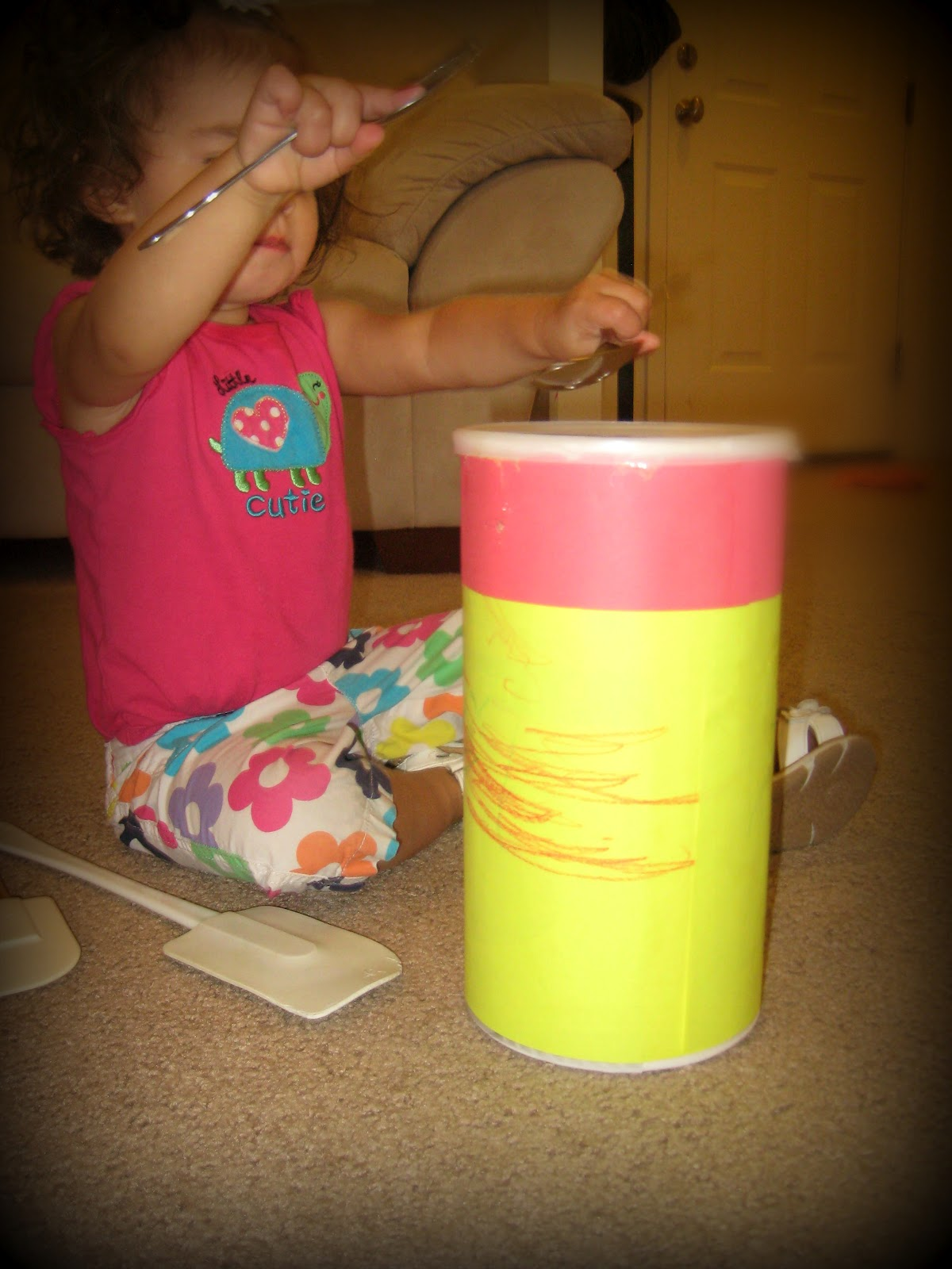 Homemade drum craft for toddlers and preschoolers