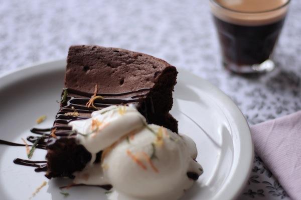 Ro Guaraz · torta de chocolate y café sin harina · 02