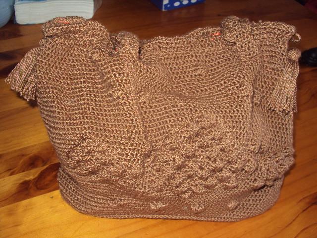 Este se supone que es el bolso de angelina jolie, para ser el primero ...