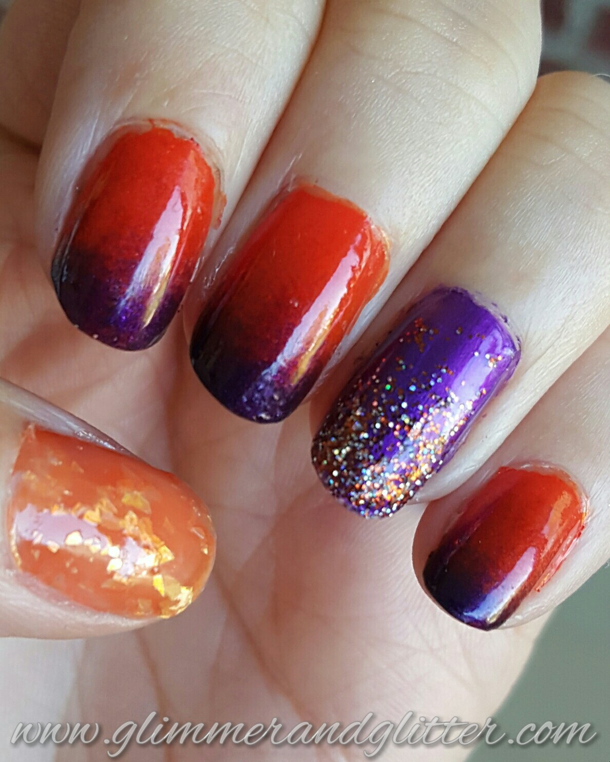 Glimmer and Glitter - A Nail Polish Blog: Halloween Sunset Gradient