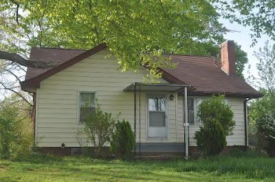 512 Painter Rd Fall Branch, TN 37656