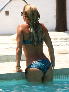 Sylvie van der Vaart great Bikini ass