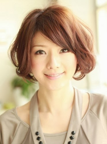 Sweet-Japanese-Hairstyle-for-Women