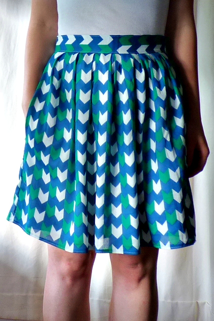 four square walls chevron pleated skirt