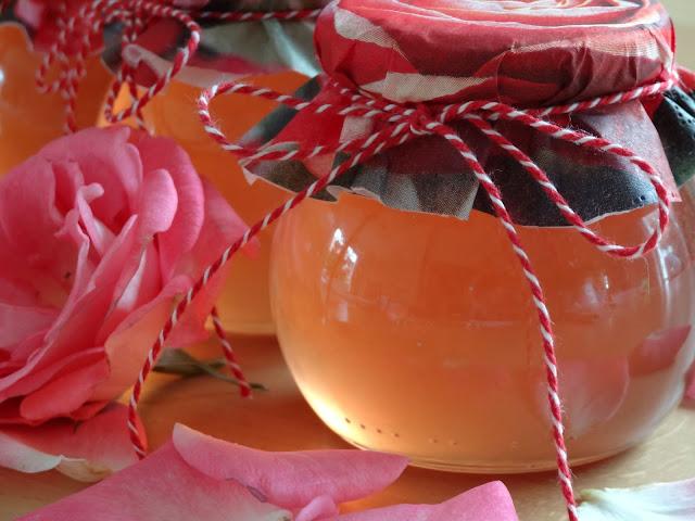 Feines Rosenblüten- Gelee