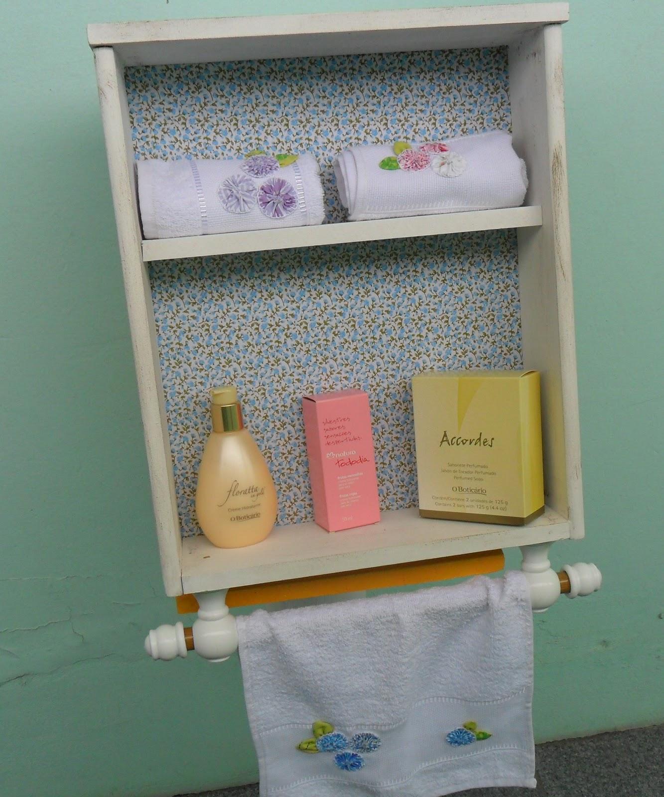Blog Livros e Dicas de Luciane Melo DICAS DE RECICLAGEM -> Como Fazer Armario De Banheiro Reciclado