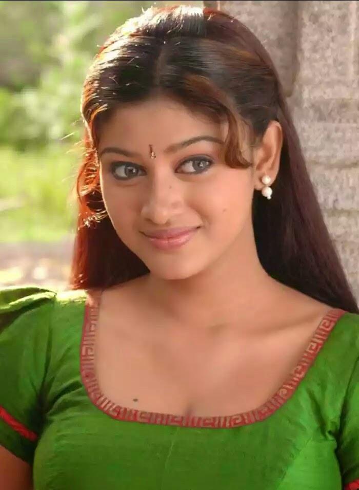 Malayalam Nadigai Oviya Helen In Hot Navel Pics In Cinekooth Nadigaistills