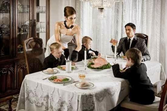 Representación de una mesa en familia