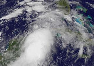 Tropischer Sturm DEBBY kommt - voraussichtlich nach Florida, Debby, aktuell, Satellitenbild Satellitenbilder, Karibik, Golf von Mexiko, 2012, Juni, Yucatán, Riviera Maya, Florida, Cancún, Playa del Carmen, Mexiko, Hurrikansaison 2012, Atlantische Hurrikansaison,