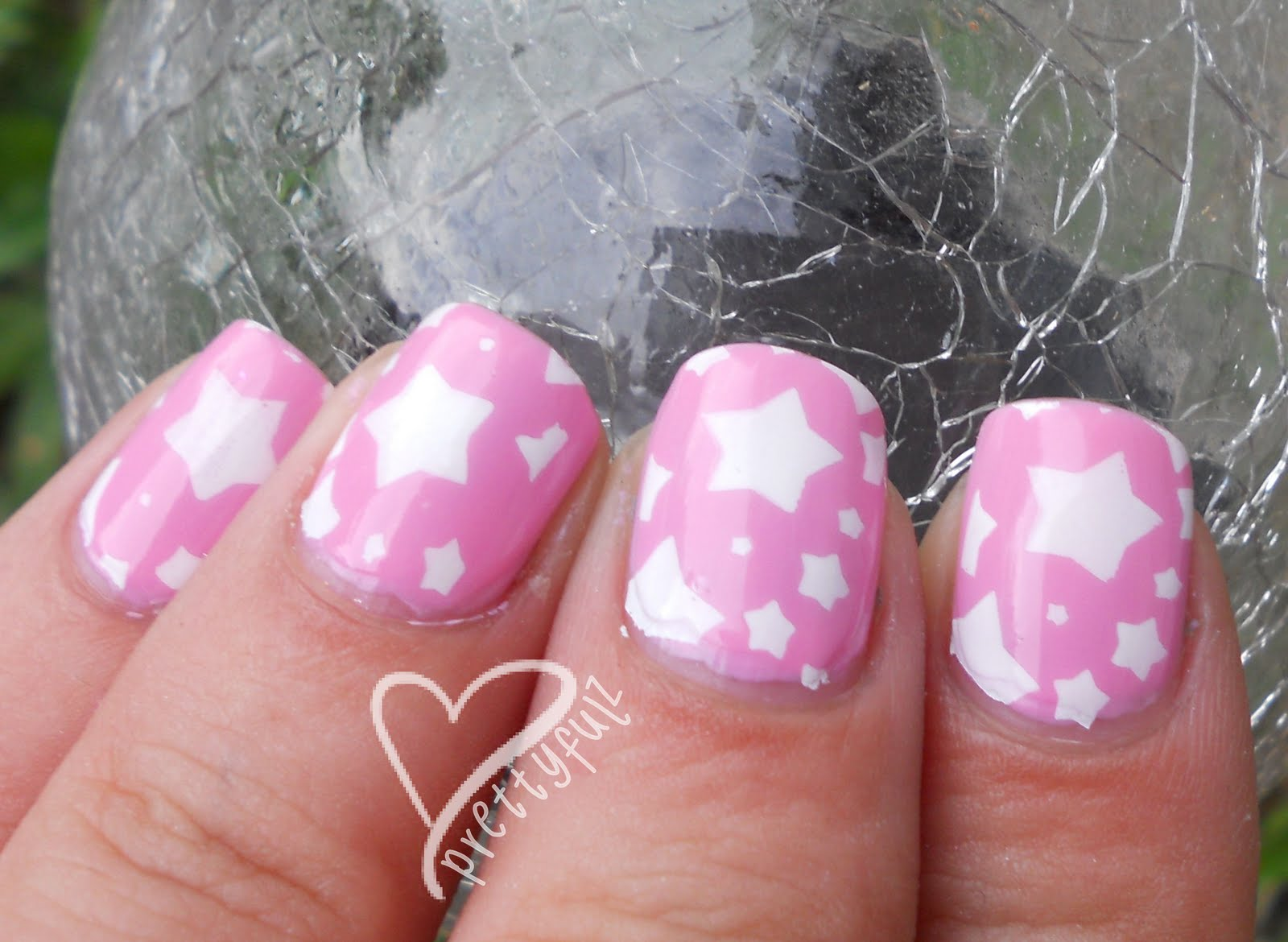 Prettyfulz: Super Cute Pink & White Star Nail Art Design for short ...