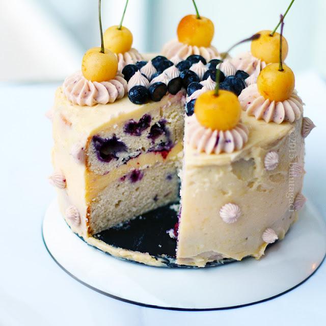 Limon ve Biberiye Kremalı Yabanmersinli Pasta