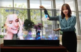 Η διαφανής 55-ιντσών οθόνη OLED της Samsung