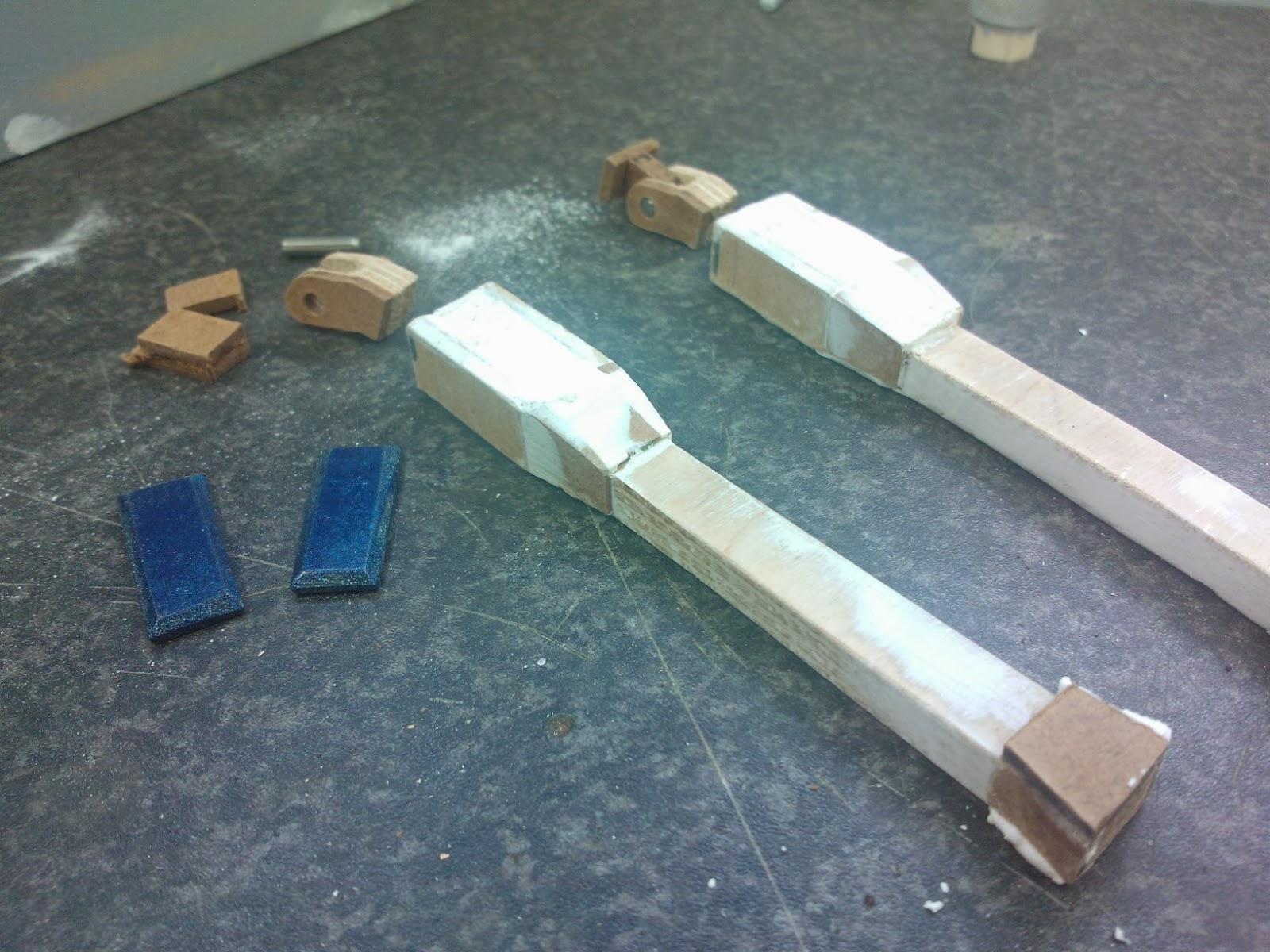 R5D4 R2D2 battery straps