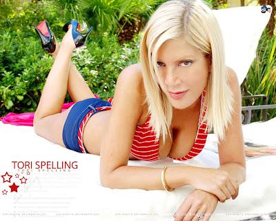 Tori Spelling Hot