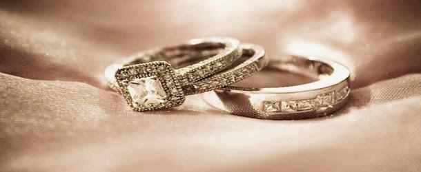 Wanita gagal temui pasangan hidup nekad kahwini diri sendiri dan kemudian merancang berbulan madu di beberapa negara