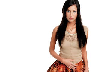 Megan Fox 2011 Wallpaper 1600x1200 HQ