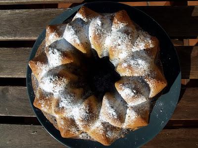 """Bizcocho """"bundtcake"""" de espelta y trigo con chocolate"""