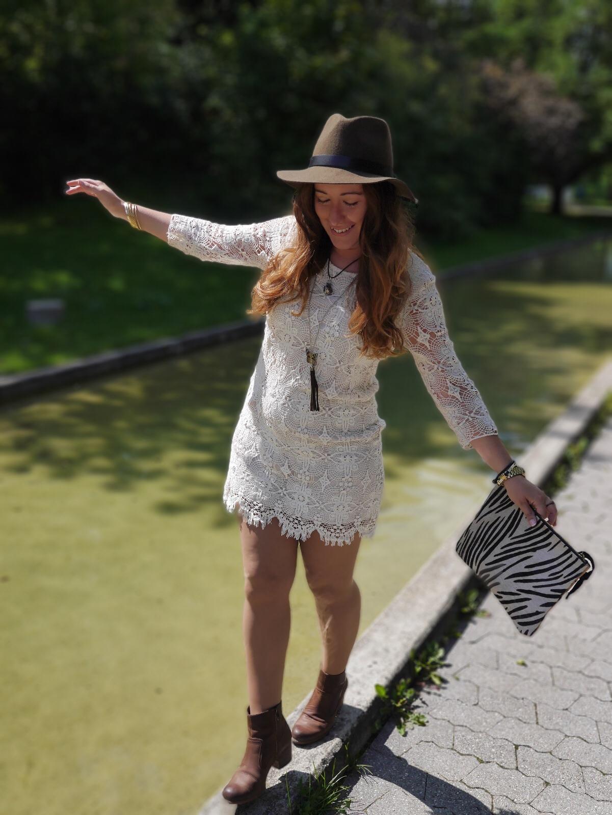 Street Style, egoblogger, fashion blogger, Blanco vestido crochet, Massimo Dutti hat, Massimo Dutti fedora