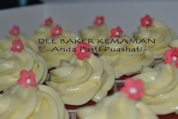 Cupcake Red Velvet with Cream Cheese
