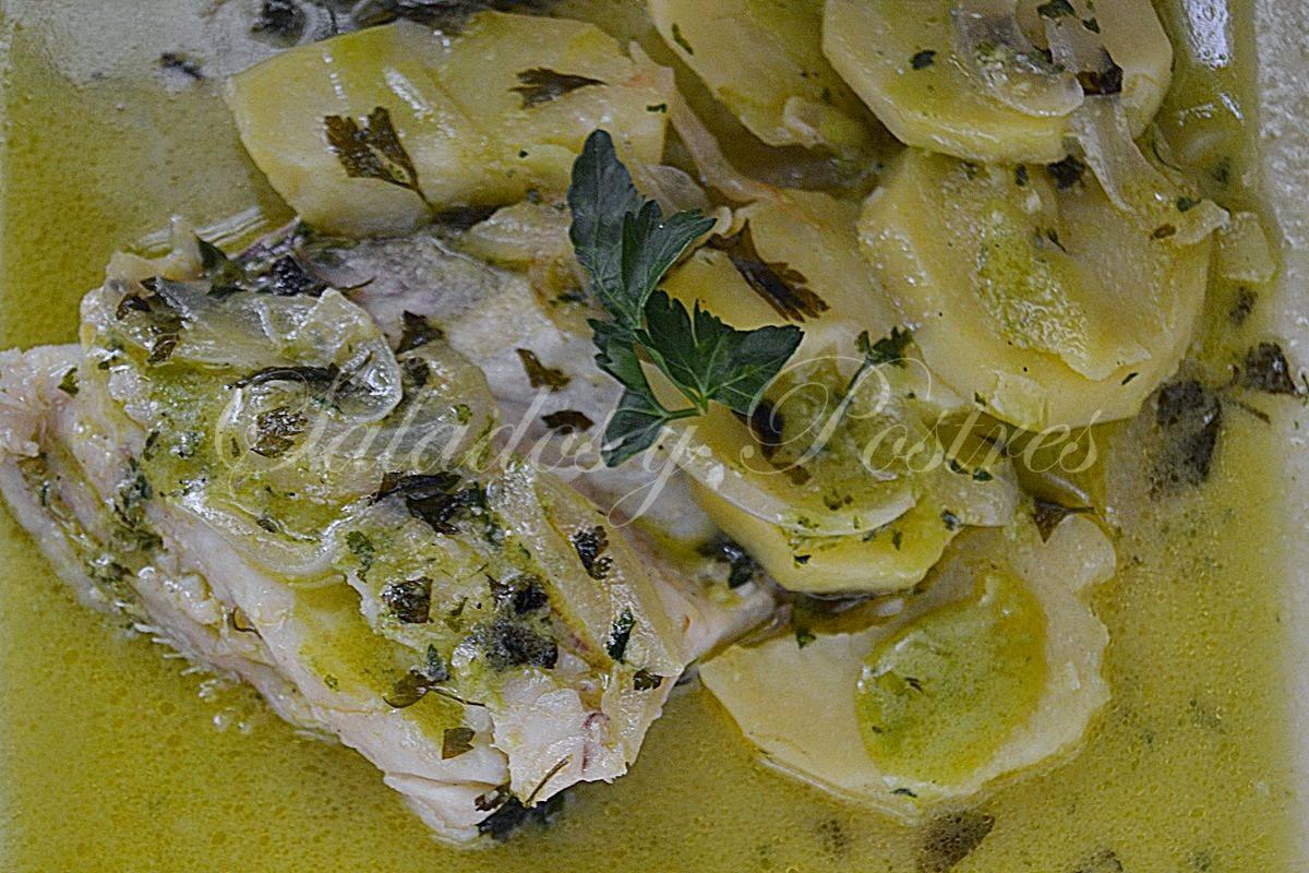 Rosada Con Patatas En Salsa Verde