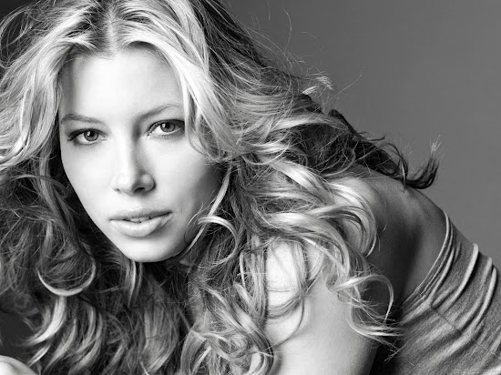 Jessica Biel Hollywood Actress Latest Wallpaper