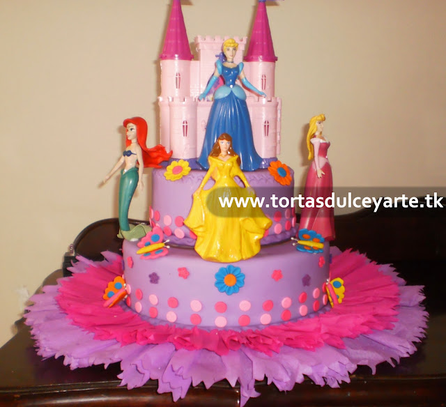 torta princesas disney 2 lima