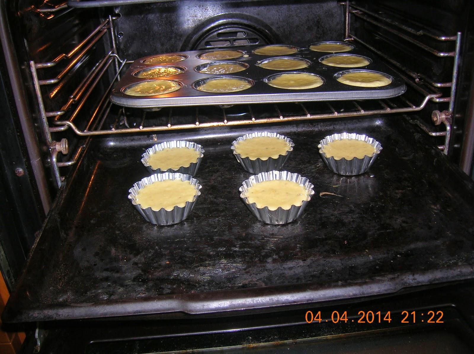 tortini  di banana e di carote--biscottini di limone  e  biscotti di zucca con marmellata di