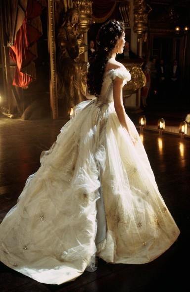 Les fleurs noires style inspire for Phantom of the opera wedding dress