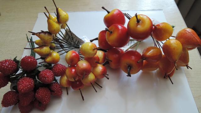 Плетения из бисера яблоня