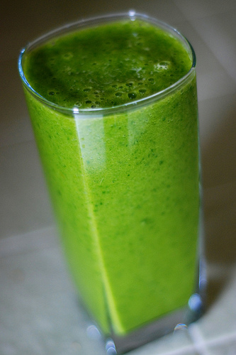 green-smoothie-2.jpg