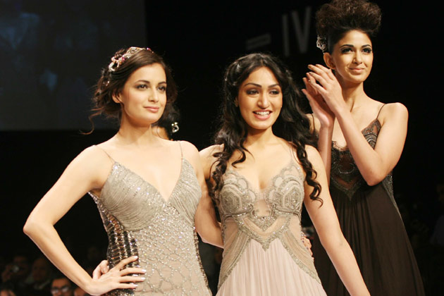 Diya Mirza Ramp Walk Lakme Fashion Week 20121 - Lakme Fashion Week: Diya Mirza Ramp Walk