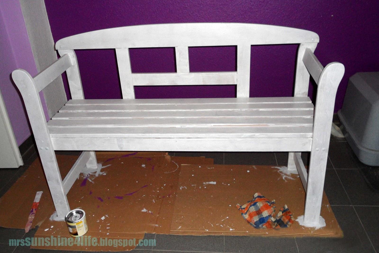 Sunshine4life: old bench gone green. oder auch: alte bank mit ...