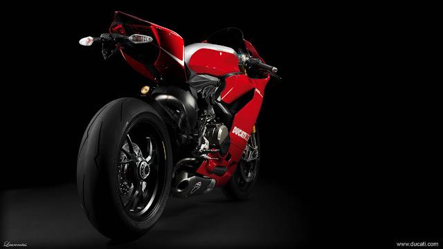 Superbike-Ducati-1199-Panigale-R-2013_5