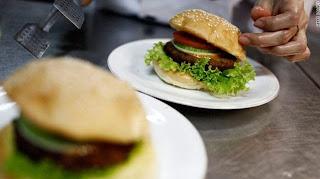 burger unik, burger ular, burger dari ular, bahan burger, pembuatan burger ular