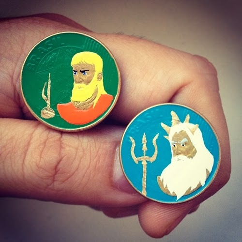 05-Aquaman-And-Triton-Portrait-Coins-Andre-Levy-aka-@zhion-Brazilian-Designer-Tales-You-Lose-www-designstack-co