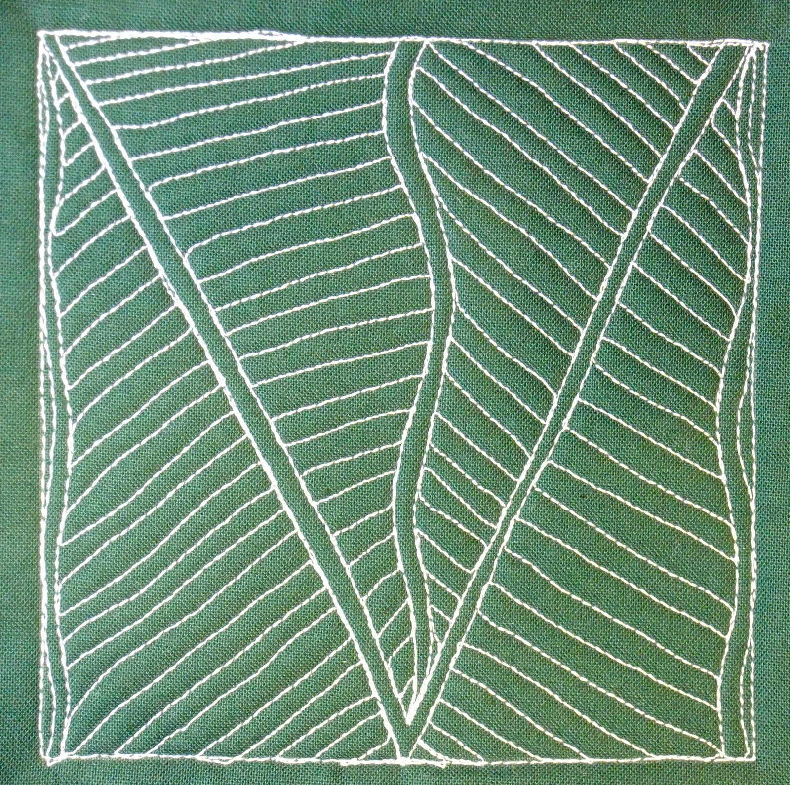 Free Motion Quilting Patterns Leaves : The Free Motion Quilting Project: Day 357 - Deco Leaves