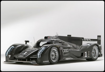 2011-Audi-R18-Side-View