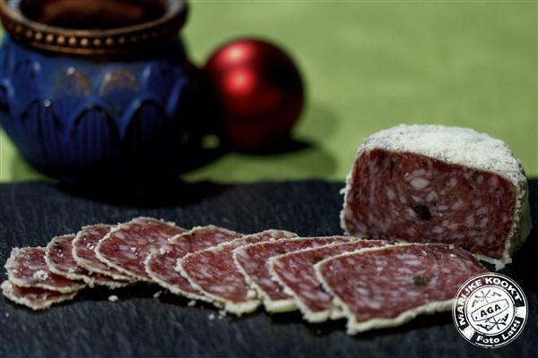 Salami met truffel en parmezaan