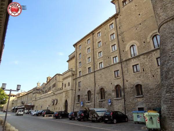 Murallas de entrada a San Marino