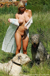 hot chicks - Sexy Naked Girl Carol Goldnerova - Should I do it with my dogs ?