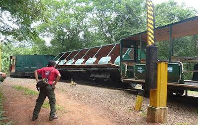 Trem das Cataratas do Iguaçu da Argentina com 250 turistas sofre acidente - Puerto Iguazu