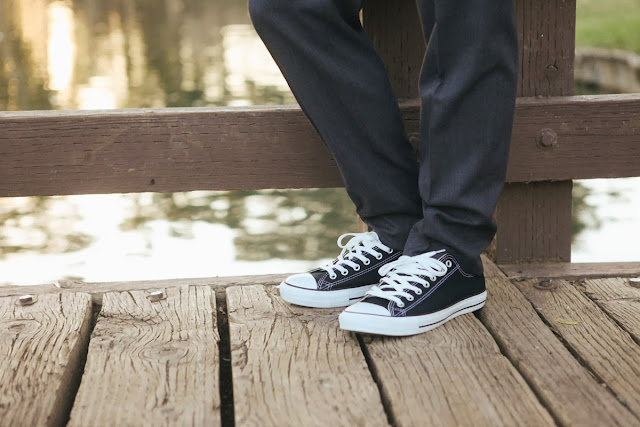 groom's wedding shoes - converse