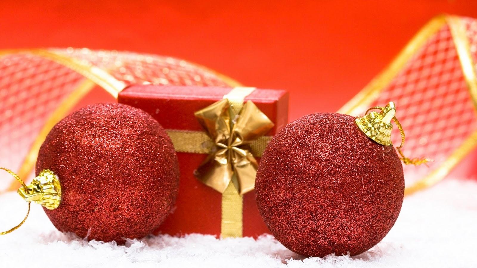 http://3.bp.blogspot.com/-RgZUO8mBZyg/Tn7t8yS5XeI/AAAAAAAAAvc/FwzKCjxQz9Y/s1600/Free+Desktop+Christmas+wallpapers.jpg