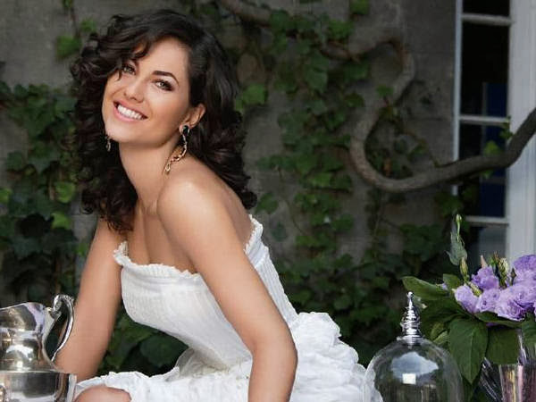 Barbara Mori HD Wallpapers Free Download