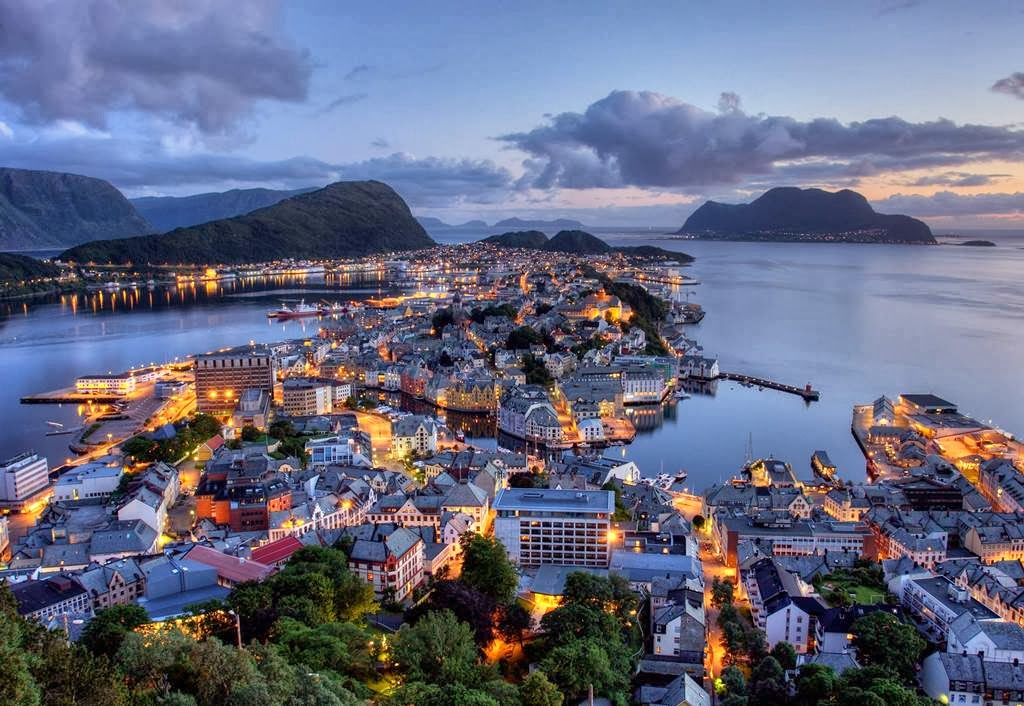 Alesund Norway Wallpapers  Pictorial Tour